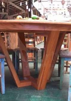 Foto Mesas em madeira demolição