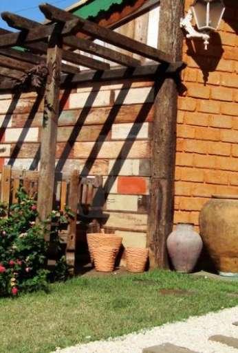 Pergolados em madeira de demolição